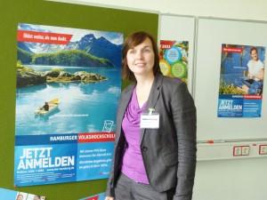 Volkshochschulleiterin Anja Kupke freut sich auf den Beginn des neuen Wintersemesters