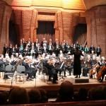 Das Wandsbeker Sinfonie-Orchester in der Aula der Rudolph-Steiner-Schule in Farmsen