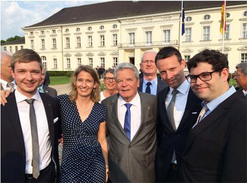Delegation der Bezirksversammlung Wandsbek auf dem Empfang des Bundespräsidenten