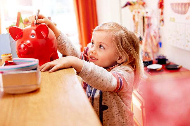 Sparkasse Holstein startet Weltspartags-Aktionen für Kinder und Jugendliche