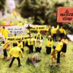 Demonstranten entern zum Weltbienen-Tag die Hamburger Touristenattraktion Miniatur Wunderland
